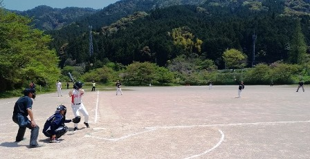 2019.4.20軟式野球中部ブロック予選(試合の様子).jpg